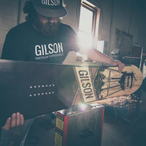 Gift Guide Gilson snowboard